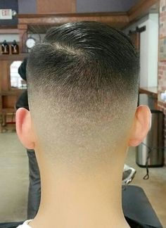 Perfect left ear back. Right ear just average. Boy Hairstyles, Everyday Hairstyles, Formal Hairstyles, Short Bob Haircuts, Haircuts For Men, Short Hair Cuts, Short Hair Styles, High And Tight Haircut, Comb Over Haircut