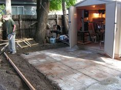 How to Make a Nice Cement Patio: I came across this idea at the home-de-pot when I found in the cement section plastic forms for making walkways. They did not have a form that I liked or one that was big enough so I decided to make my own. Concrete Patios, Concrete Patio Designs, Cement Patio, Concrete Projects, Concrete Backyard, Concrete Molds, Diy Concrete, Concrete Floor, Stencil Concrete