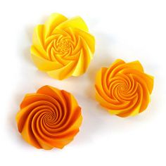 Reversed spirals #origami #corrugation (_Ekaterina) Tags: spiral origami paper paperfolding tant curve curvedfold ekaterinalukasheva corrugation orange yellow bright