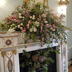 Floral mantle design
