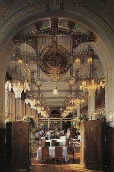 Restaurant Français – Maison Municipale, Prague (Obecni düm, Praha) - Architectes Antonín Balšánek et Osvald Polívka (1912)