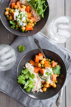 Quick and easy vegan veggie curry Veggie Recipes, Indian Food Recipes, Coconut Milk Curry, Curry Powder, Egg Free, Vegan Vegetarian, Food To Make, Dairy Free, Veggies