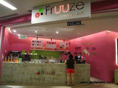 Fruuze Frozen Yogurt