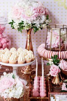 verabschiedung, abschiedsparty, cupcakes, blumen und franzoesische macarons