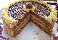 Orechová torta s karamelovo-kávovou náplňou