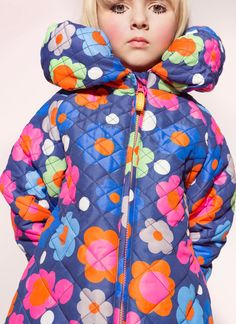 Cool retro style prints at Mim-Pi in stock at Petit Fashion for kids fashion fall/winter 2015 Stylish Kids Fashion, Fashion Kids, Retro Fashion, Fashion Fall, Fashion 2017, Cute Girl Dresses, Girl Outfits, Cute Outfits, Girls Boutique