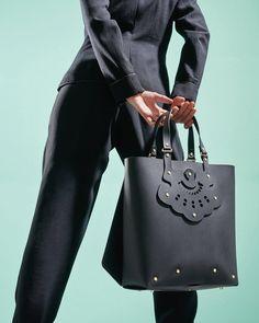 Leather Craft, Leather Bag, Hermes Birkin, Feminine, Celebrities, Unique, Bags, Collection, Fashion
