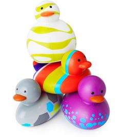 Boon Inc.'s Odd Ducks! BPA Free, Phthalate Free and PVC Free! Perfect bath buddies for the botete! Anyone wanna give me this??? :D