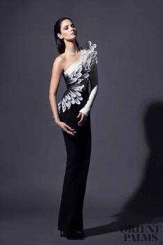 haute couture fashion – Gardening Tips Style Haute Couture, Couture Mode, Couture Fashion, Runway Fashion, Fashion Show, Fashion Design, Fashion Goth, Street Fashion, High Fashion
