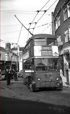 LT trolley bus on route 602 in Clarence Street, Kingston