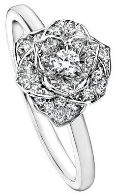 285ac81bc36 Piaget Rose ring in 18K white gold set with 36 brilliant-cut diamonds  Bijoux Uniques