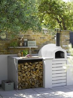 Best pizza ovens for your garden or outdoor space Ideal Home # Small Outdoor Kitchens, Outdoor Kitchen Bars, Backyard Kitchen, Outdoor Kitchen Design, Outdoor Dining, Outdoor Decor, Outdoor Spaces, Small Garden Kitchen, Patio Design