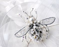 *Delicate and luxury, hand-embroidered dragonfly jewelry - dragonfly brooch - insect jewelry inspired by Nature. Unique designers jewelry -