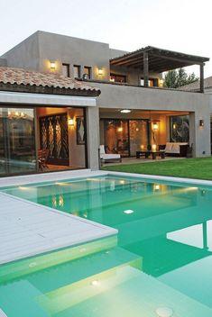 42 most popular modern dream house exterior design ideas 19 Dream Home Design, Modern House Design, Dream House Exterior, Bungalow Exterior, House Exteriors, Pool Houses, Exterior Design, Stucco Exterior, Grey Exterior