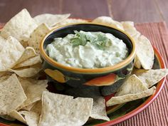 The perfect Tex-Mex party dip, our Green Chili-Avocado Dip is ready in only 15 minutes. Dip Recipes, Veggie Recipes, Great Recipes, Favorite Recipes, Avocado Recipes, Amazing Recipes, Appetizer Dips, Appetizer Recipes, Yummy Appetizers