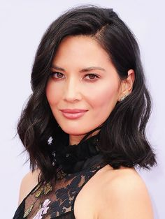 3 Flattering Haircuts to Make Your Face Look Thinner via @ByrdieBeauty