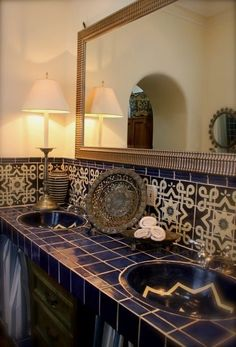 This is the master bathroom in our second home here in San Miguel de Allende. - This is the master bathroom in our second home here in San Miguel de Allende. The two lamps I had - Spanish Bathroom, Spanish Style Bathrooms, Spanish Style Homes, Master Bathroom, Spanish Tile, Spanish Revival, Spanish Colonial, Mexican Home Decor, Bad Styling