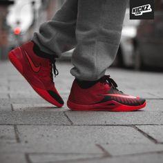Nike Hyperlive On Feet