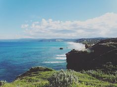Great Ocean Road / Australia #greatoceanroad #australia #backpacking #travel #landscape #time #standing #still #nature #naturelovers #backpacker #love #my #life #picoftheday #photooftheday #followme #follower #wonderful #sea #clouds #aky #bluesky #himmel #wolken #meer #landscape_lovers #amazing #country #travelgram by photographie_by_steph