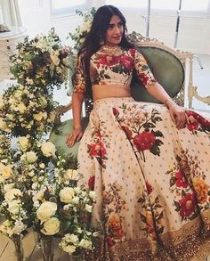 Check out all stunning designer lehenga designs inspirations to take from Bollywood celebrity real life lehengas with unique styles. Floral Lehenga, Lehenga Style, Silk Lehenga, Anarkali, Lehenga Designs, Indian Attire, Indian Ethnic Wear, Indian Wedding Outfits, Indian Outfits