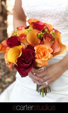 Trouwboeket in de kleuren van de herfst    /   gorgeous fall bridal bouquet
