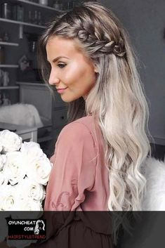 Awesome 45 Charming Romantic Hairstyles Ideas For Valentines Day. More at luvlyf… Awesome 45 Charming Romantic Hairstyles Ideas For Valentines Romantic Hairstyles, Easy Hairstyles For Long Hair, Pretty Hairstyles, Hairstyle Ideas, Half Braided Hairstyles, Wavy Wedding Hairstyles, Hairstyles For Bridesmaids, Black Hairstyles, Braids With Curls Hairstyles