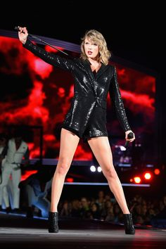 Taylor Swift Photos: Taylor Swift The 1989 World Tour Live in New Jersey - Night 1