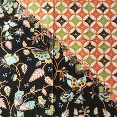 🌷🌸🌹PAGISORE KAWUNG🌺🌻🌼 Kain batik handprint Sogan primissima 108x240 cm 🍃Yok sama2 belajar filosofi batik: Kain pagi sore adalah satu kain yg terbagi oleh dua motif yg bertemu di bagian tengah kain secara diagonal sehingga seperti dua kain padahal satu kain tapi mempunyai motif yg berbeda. Pola pagi sore menggambarkan suasana saat itu yg sulit u/mendptkan kain sehingga pengrajin memiliki banyak waktu u/mengerjakan selembar kain dgn ragam hias yg padat.