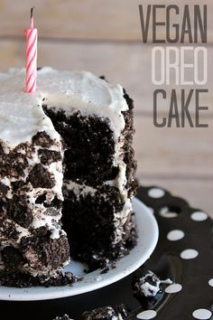 Vegan OREO Cake Recipe- Experience the classic cookie in cake form, no cookies needed. Vegan Dessert Recipes, Easy Vegan Cake Recipe, Baking Desserts, Oreo Cake Recipes, Recipes Dinner, Vegan Sweets, Lunch Recipes, Appetizer Recipes, Sweet Recipes