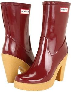 Hunter - Arnie (Merlot).  Can't decide if I like these or not...it's nice to have options of rain gear in Seattle!  Should I get these? I found a good deal online.