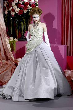 Dior Haute Couture, Christian Dior Couture, Couture Fashion, Fashion Show, High Fashion, Women's Fashion, John Galliano, Galliano Dior, French Fashion Designers