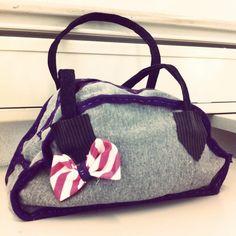 12181d17a54 Tas maken, klas 2 In 10 lesuren ontwerpen de leerlingen een tas, leren ze