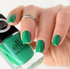 #1577 Teal Blue http://eyeslipsface.nl/product-beauty/nagellak
