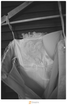 www.creatrixphotography.com | Hawaii Wedding Photography #oahu #hawaii #estateweddings #palmtrees #ocean | The bride had a heart made of the lace from her mother's dress sewn in over her heart