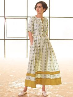 Ivory fit and flare it maxi Western Dresses, Indian Dresses, Indian Outfits, Indian Attire, Indian Wear, Kurta Designs, Blouse Designs, Ethnic Fashion, Indian Fashion