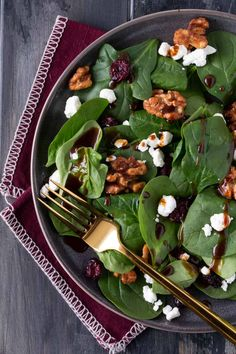 Our simple Spinach Salad with Goat Cheese, Craisins and a Homemade Balsamic Vinaigrette Recipe is our go-to side dish for entertaining! salad recipe Spinach Salad with Homemade Balsamic Vinaigrette Recipe Simple Spinach Salad, Spinach Goat Cheese Salad, Spinach Salad Recipes, Arugula Salad, Balsamic Vinaigrette Recipe, Avocado, Dried Beans, Keto, Greens Recipe