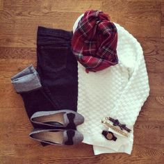 Chunky White Sweater, Red Plaid Blanket Scarf, Bow Flats | #weekendwear #casualstyle #liketkit | http://www.liketk.it/NB7e | IG: @whitecoatwardrobe