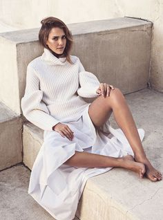 Round Sleeve Jumper | Autumn Winter 15 | The Edit Net-a-Porter | Styling Tracy Taylor | Jessica Alba | Photography Sebastian Kim | Available at 36 Dover Street, London