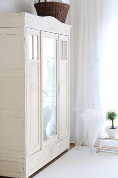 Amazing Antiker Kleiderschrank mit Spiegel shabby chic schrank antiker k chenschrank