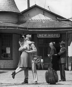 Hope and Homecoming Kiss 1945