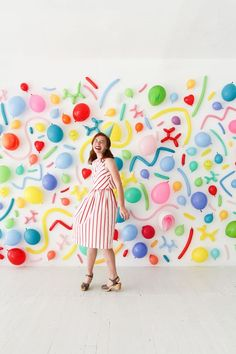 This is an amazing wall for photo ops / booth made simply with balloons! Fab for a Hen Party if anyone is clever enough?