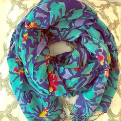 Lilly Pulitzer Murfee scarf! Teal and blue floral. Lilly Pulitzer scarf! I have 7 to choose from, be sure to look at all of them! I'll give you a great bundle price for multiple  this listing is just for the teal and blue scarf happy shopping!!  Lilly Pulitzer Accessories Scarves & Wraps