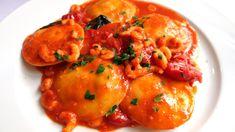 Gastro inšpirácia: Panciotti di Mare..... www.inmedio.sk .....  Cestoviny plnené jakubovymi mušľami v paradajkovej omáčke s krevetkami.  #musle #panciotti #dimare #jedlo #dnesjem #instajedlo #inmedio #in_medio #food #foodporn #mojejedlo #chutne #mnam #talianske #fantasticke #mimoriadne #unikatne #krasnyzivot