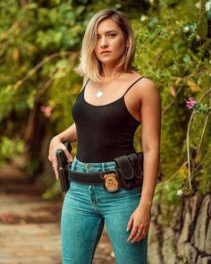 Female Cop, Actrices Sexy, Military Girl, Warrior Girl, Military Women, Dangerous Woman, Badass Women, Country Girls, Girl Photos