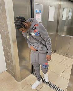 Looks Hip Hop, Nike Af1, Instagram Pose, Creative Pictures, My Vibe, The Wiz, Canada Goose Jackets, Black Men, Winter Jackets