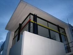 Rietveld Schröder House, Gerrit Rietveld (1924-25) Schroder House, Walter Gropius, Le Corbusier, Bauhaus, Architecture Design, Designers, Van, Houses, Home Decor