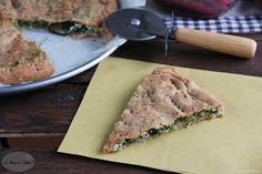 Come realizzare una gustosa focaccia senza lievito con cicoria e ricotta, Un impasto semi integrale, leggero e un'ottima alternativa alla pizza.