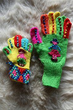 ♥ Fairtrade knitted gloves in Peru by highland Indians, Aymaras ♥