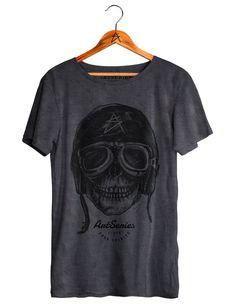 Camiseta Caveira Rider Estonada possui um caimento perfeito no corpo e pré…