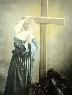 Antique nun postcard Religious woman sister by LizKnijnenburg St Therese Prayer, Nun Costume, Daughters Of Charity, Nuns Habits, Jesus On The Cross, Beautiful Lights, Postcards, Catholic, Religion